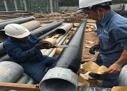 Applying Premcote 101 for anti corrosion of metal pipe