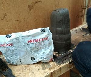 Cung cấp vật tư bảo vệ bulong chân đế bồn Axit bằng Premtape Tropical tại nhà máy Vedan